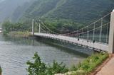 一桥连接两岸