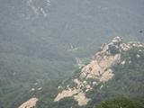 山顶看此处,显然很近了