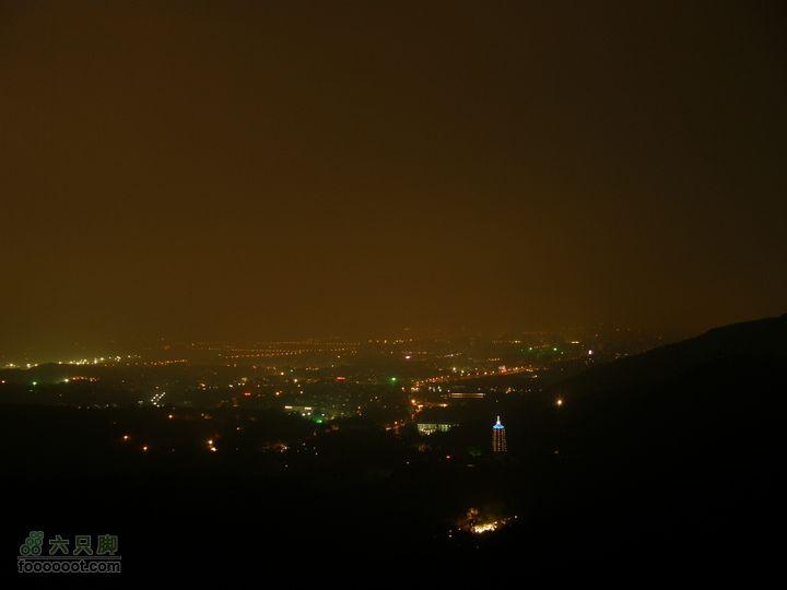 山顶吃西瓜-第300次八大处夜爬纪念P8193656