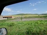 这条路村庄很多,地势比较平缓