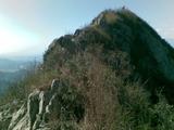 燕羽山顶--简直一刀尖啊