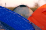 清晨帐篷结满了露水,夜晚的温度低到3度
