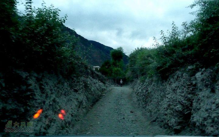 丙察察D9 最新最快的一条进藏线路 2.察瓦龙到察隅这里走错错了一小段,进村了!