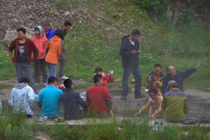 稻城,亚丁9日,第三天路边温泉