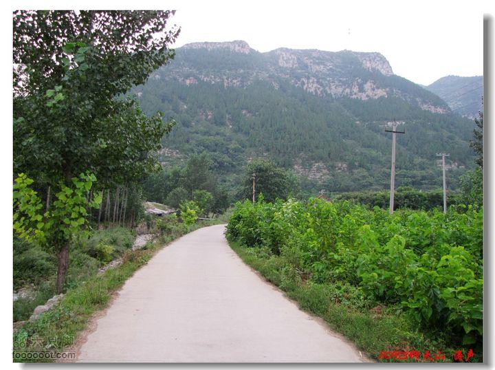 青州仰天山靠近主公路是下岸青村