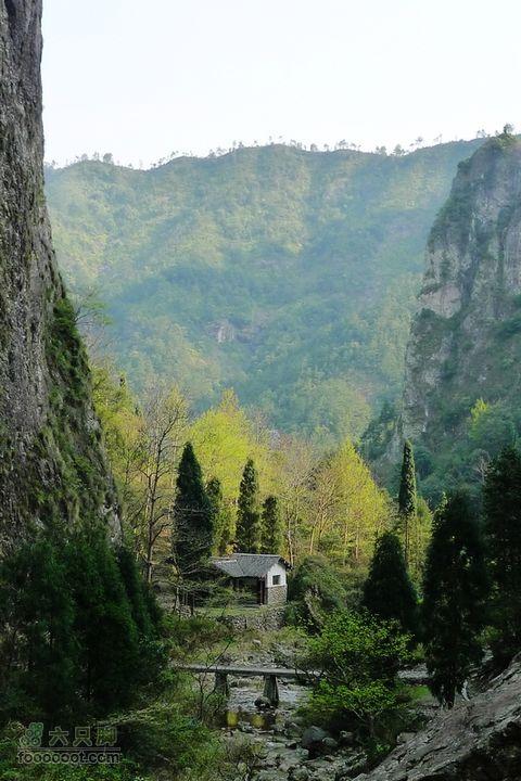 雁荡山梯云谷穿越至雁湖景区梅雨瀑景区
