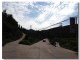 左面的路上山,右面去潭溪山景区
