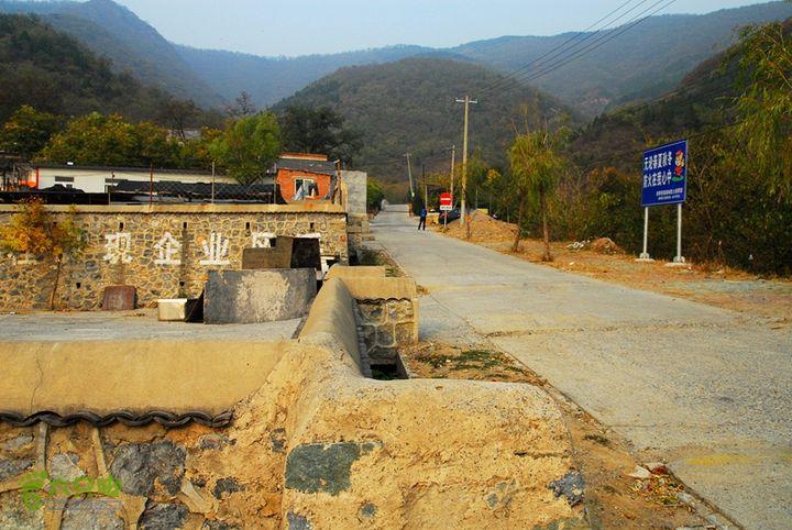 好汉坡-东山村-小小五台-望京楼-仙人洞香山公文坟停车场