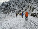 大雪封路,徒步前往沈子村