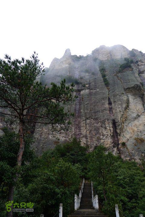 雁荡山小龙湫方洞免票路线峰都有名字,名字都不靠谱。
